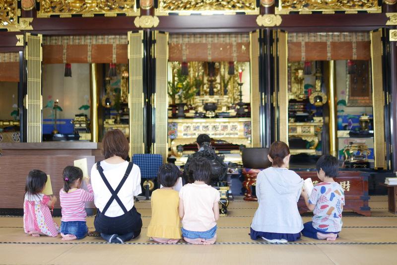 若者がお寺参りの時に感じる、ある1つの心理的ハードルとは?